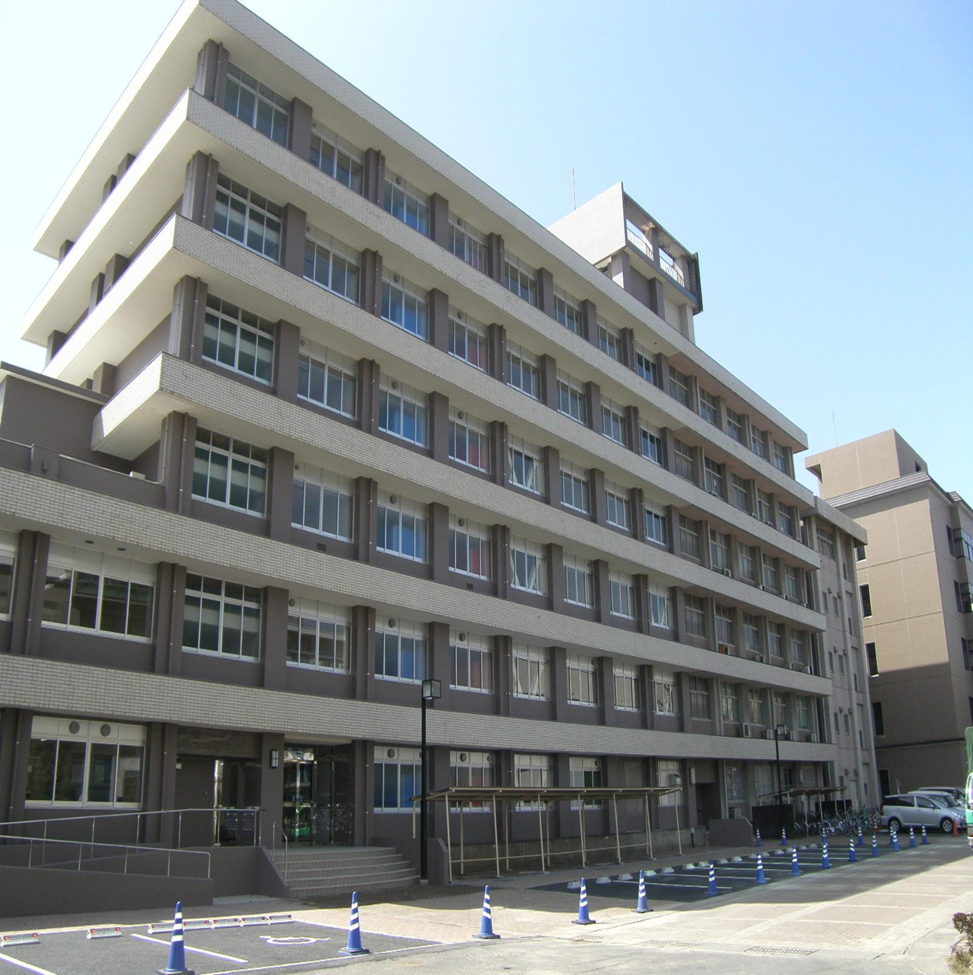 鹿児島大学法文学部  1号館等改修その他工事