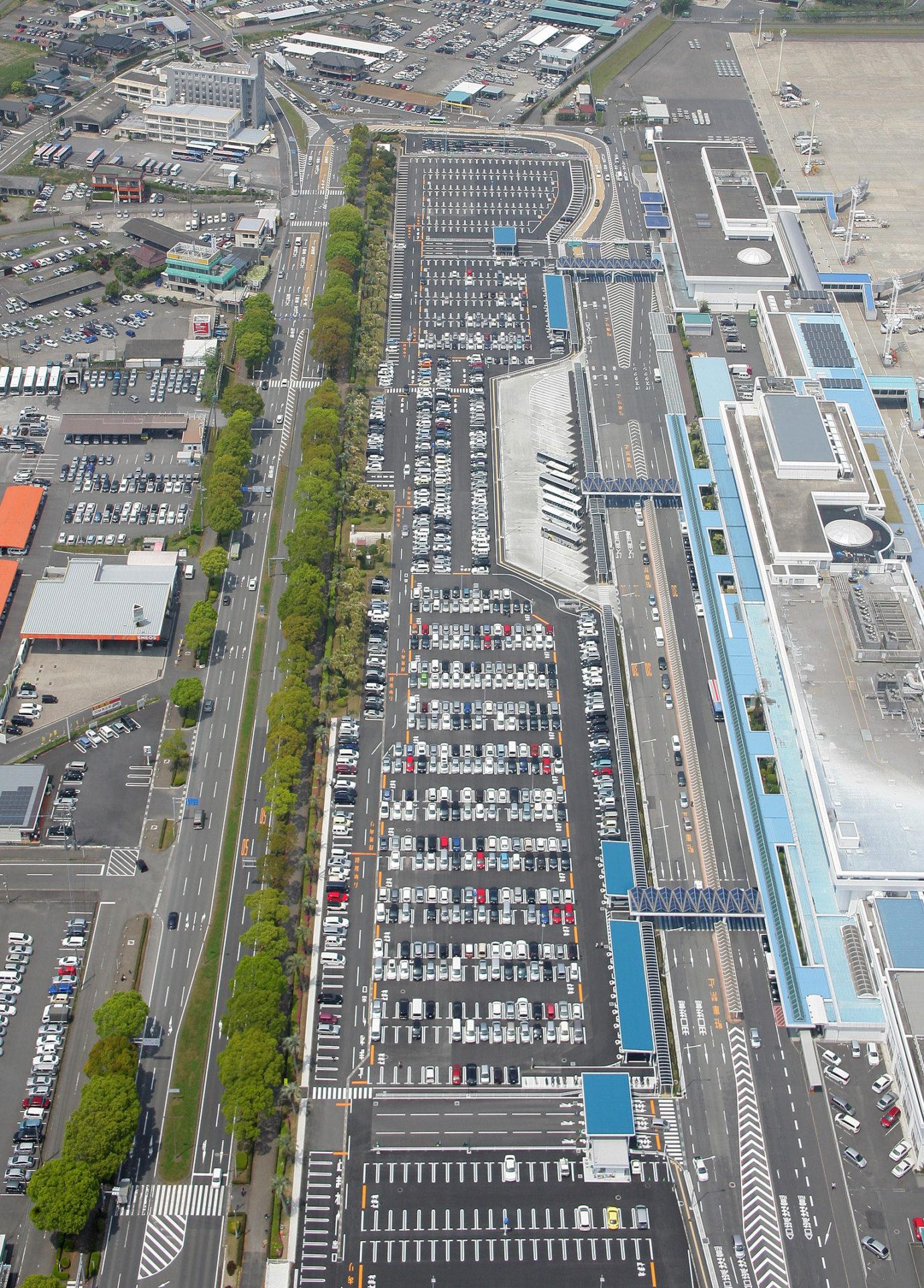 鹿児島空港道路駐車場改良  (北側)工事