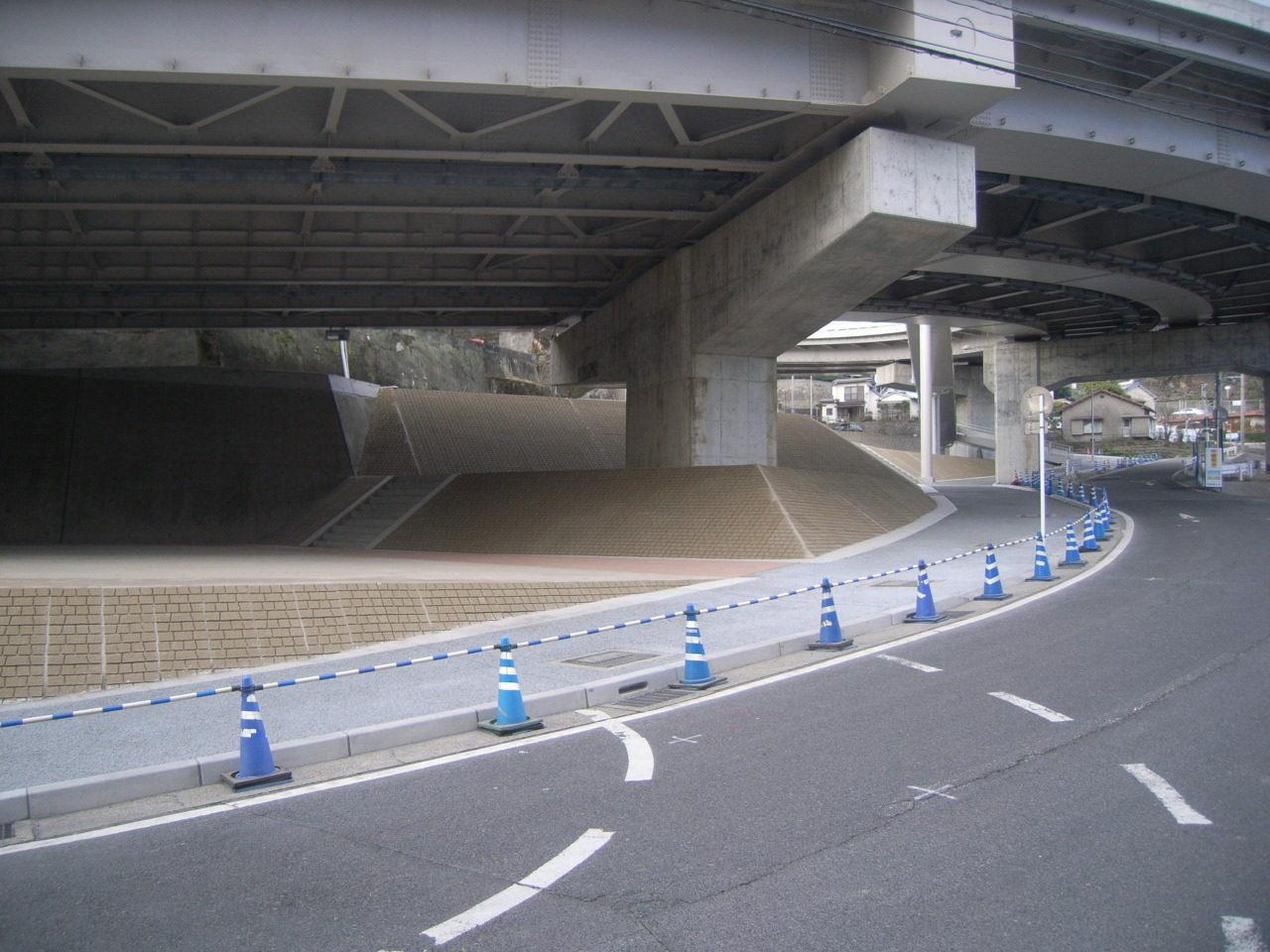 高麗通線道路築造工事  (その59)