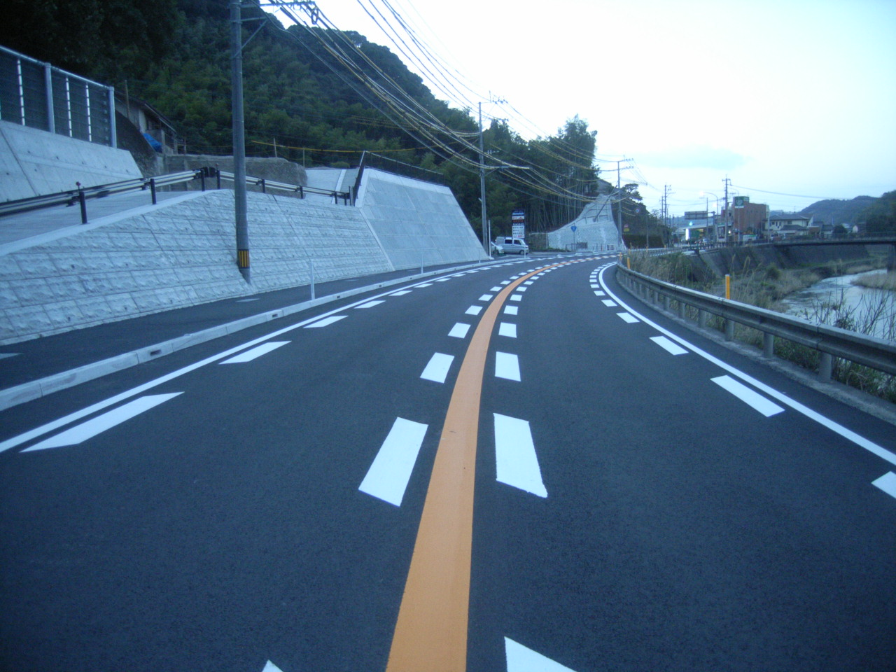 国道3号飯山地区1工区  歩道整備工事
